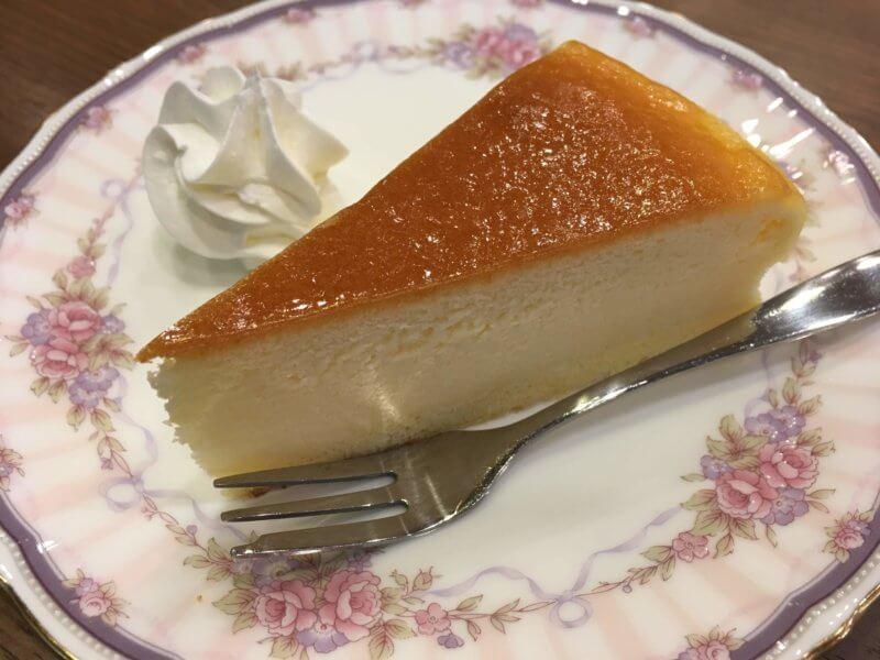 「カフェ・ブルーマウンテン」のチーズケーキ
