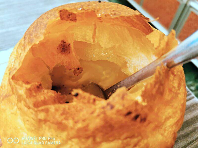 香和牛排のパイ包みコーンスープ